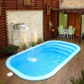 Brillantes piscinas para patios peque os for Patios de casas modernas con piscina
