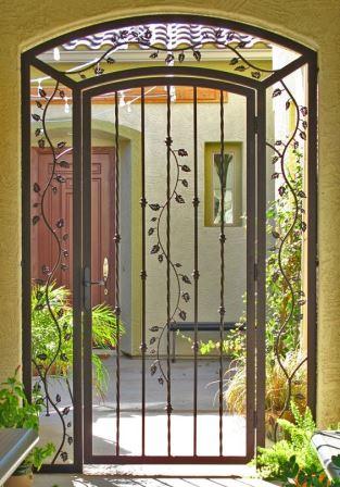 Dise os de puertas de herrer a m s modernas y m s hermosas for Disenos de puertas de madera para exterior