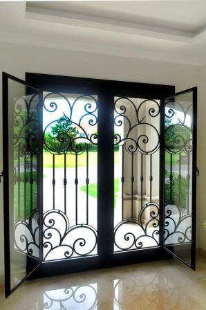 Dise os de puertas de herrer a m s modernas y m s hermosas for Puertas decorativas para interiores
