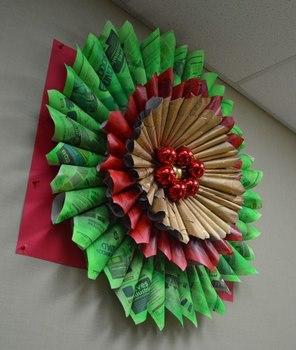 Flores de noche buena hechas con papel for Materiales para manualidades navidenas