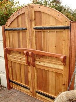 Portones de madera el toque que le faltaba a tu hogar for Portones madera rusticos